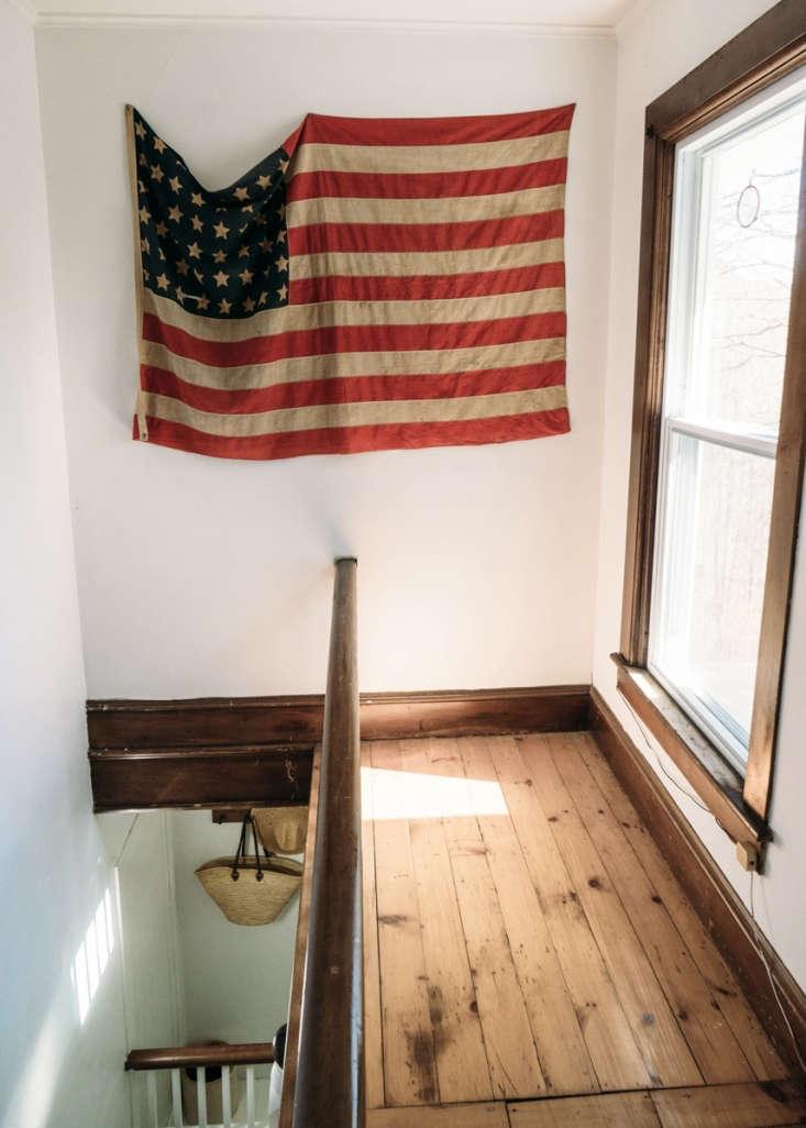 a flag, a vintage find that przystup thinks she found atstella dallas living  19