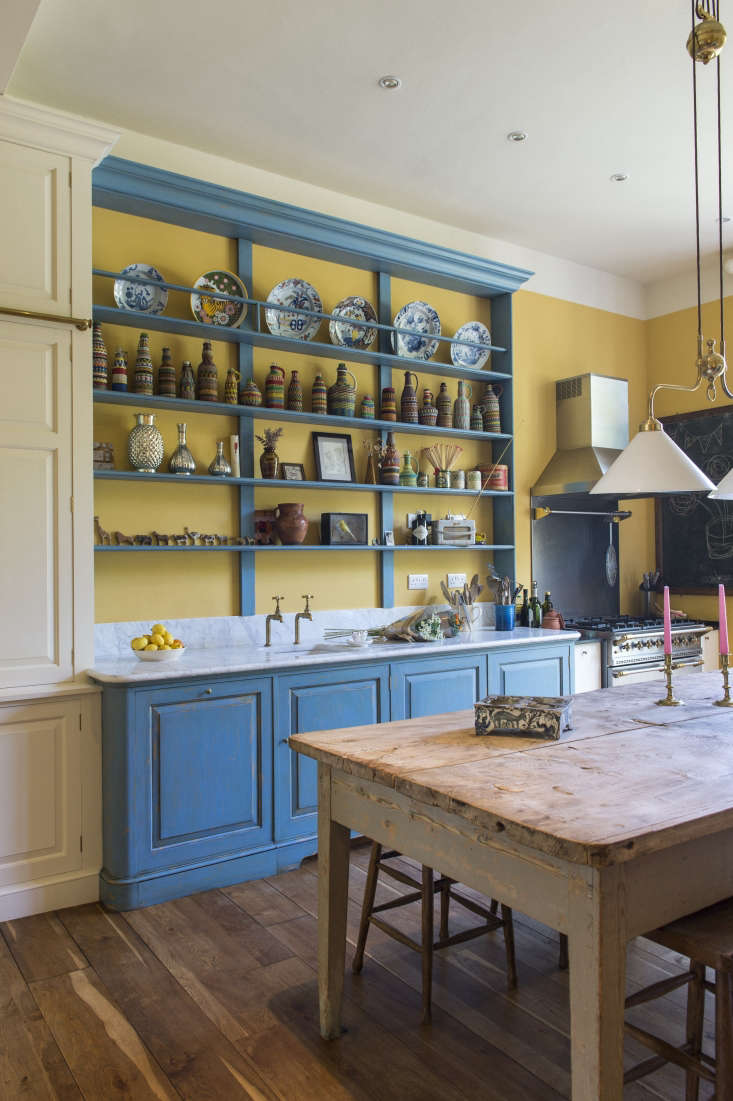 blue china on display inkitchen of the week: a whimsical edwardian in the sou 12