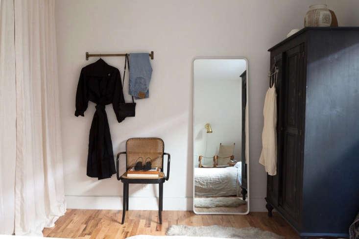 an oversized wardrobe in geffen&#8\2\17;s former bedroom. 9