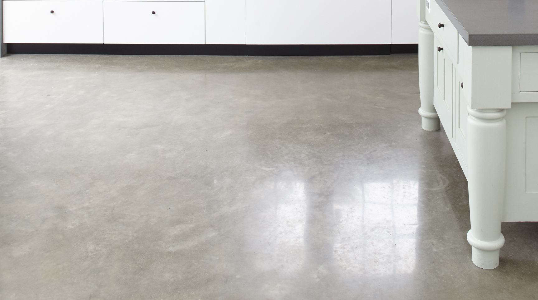 The kitchen floor is polished concrete (and is heated); see Remodeling loading=