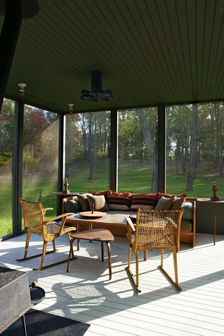 screened porch tsao mckown architects farmhouse screened porch remodelista 3   1