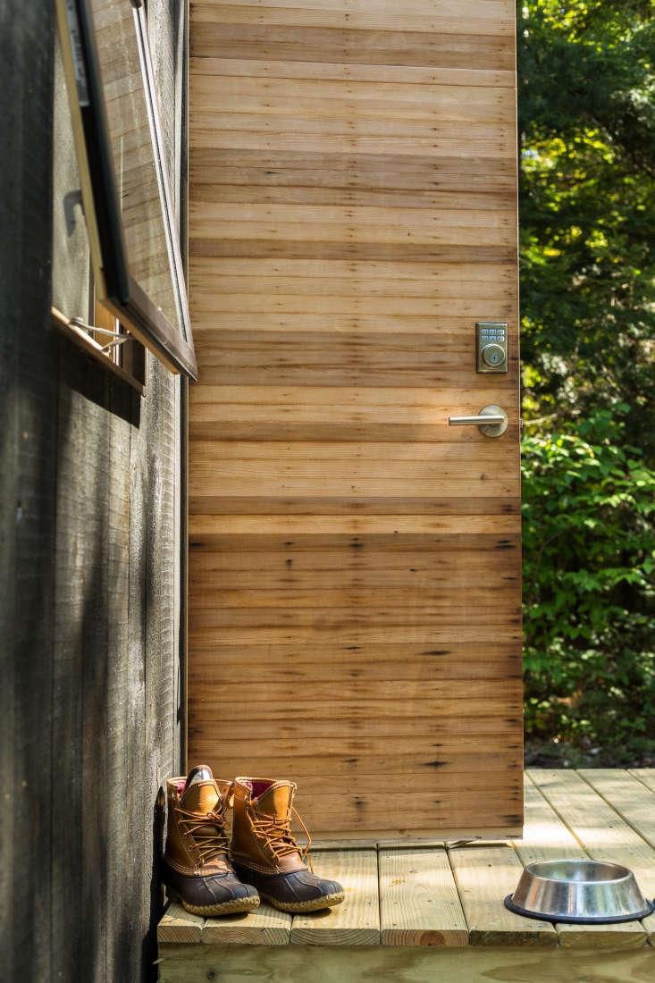 boston getaway cabin sleeps four bearwalk 1
