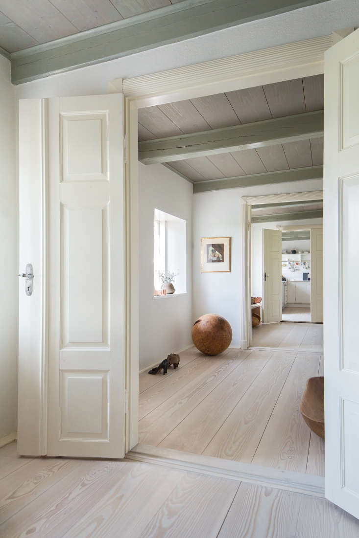 The floors throughout the house are from Dinesen's Douglas Collection, Douglas fir treated with lye and white floor soap. Dinesen floor planks are known for being usually wide and long; these are loading=