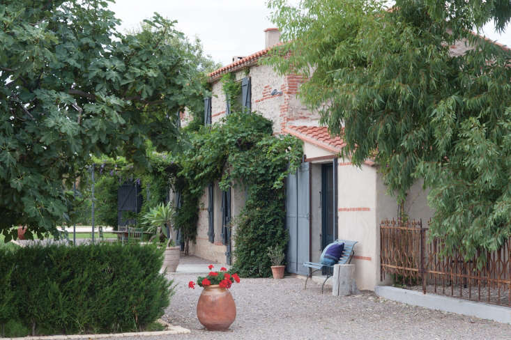 mas maroc, amanda pays and corbin bernsen's farmhouse that they remodeled in th 9