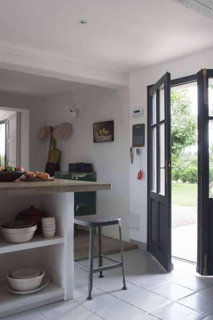 the modern farmhouse kitchen at mas maroc, amanda pays and corbin bernsen's hou 11
