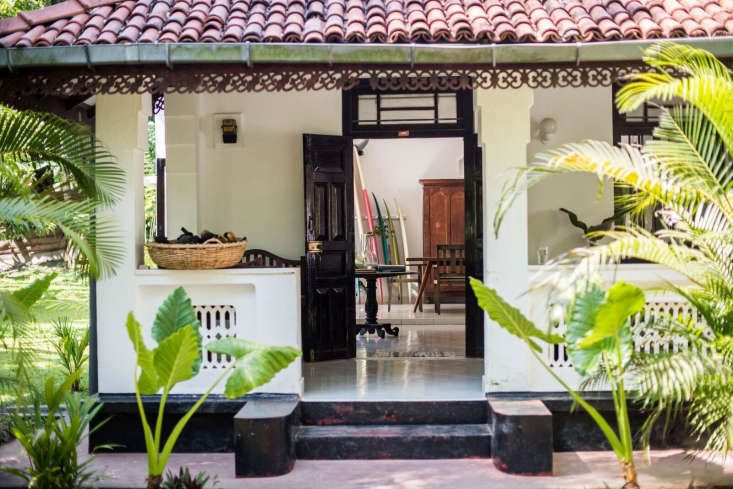 The couple live in a 75-year-old Dutch colonial-style house with a generous veranda surrounded by banana and mango trees. When they purchased the villa two years ago, it was in good order, but the terracotta roof tiles required immediate attention: &#8