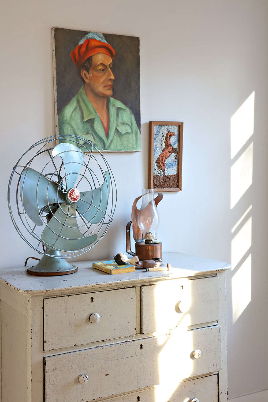 Another vintage fan, in blue.