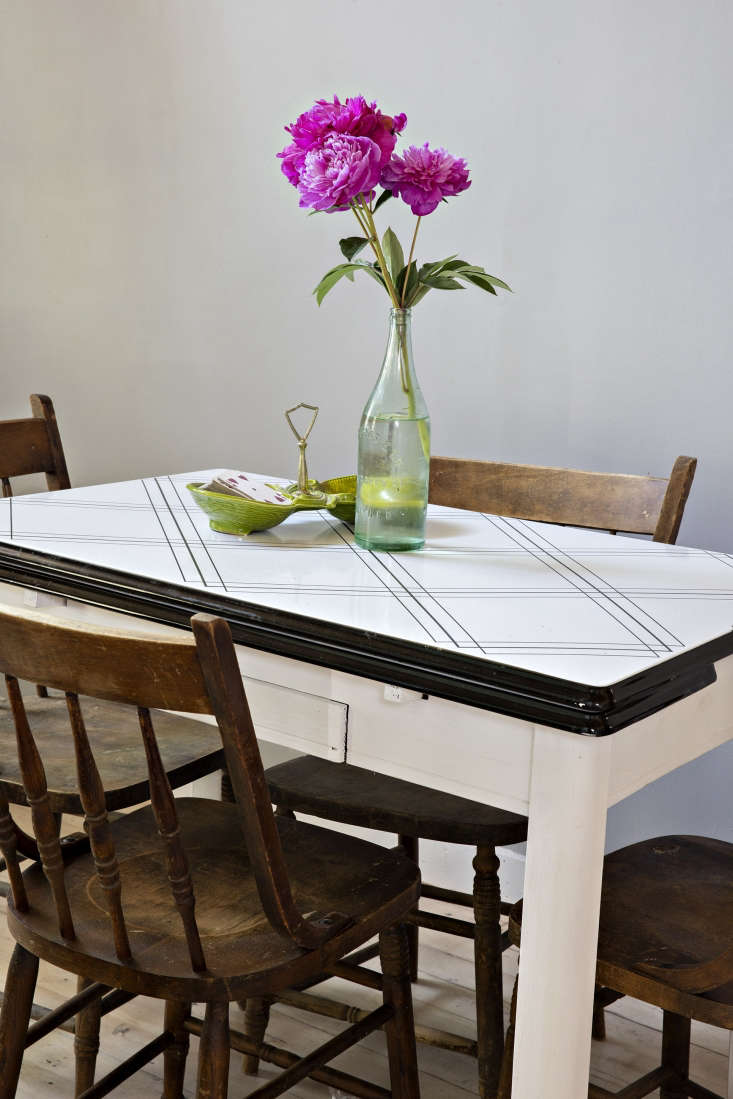 a summer table, flowers included. 10