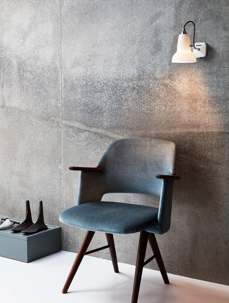 the sconce at work. 10