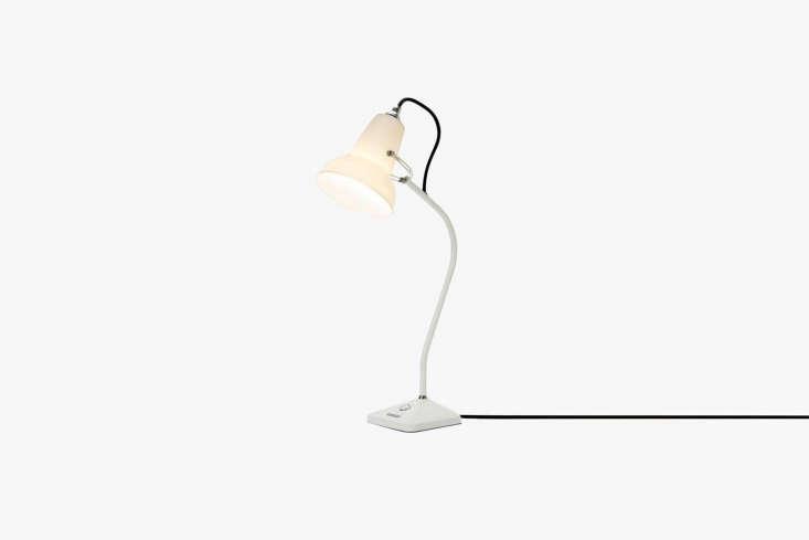 the anglepoise original \1\2\27 mini ceramic table lamp has a cast iron base (f 11