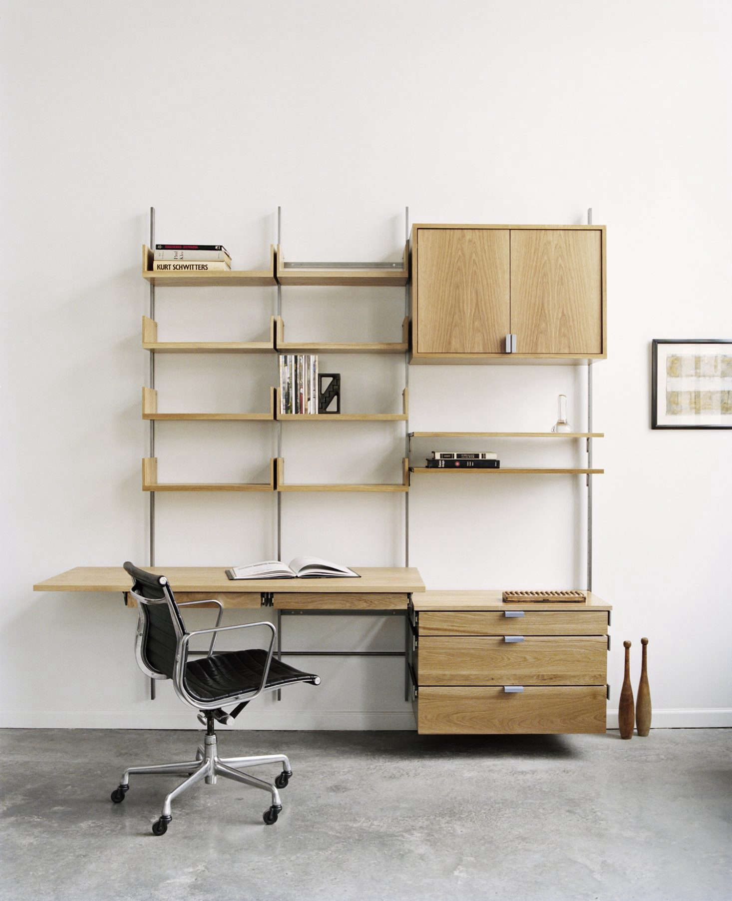 Made in Brooklyn, theAtlas Industries as4 Shelving System is available in white oak, maple, and walnut with sturdy steel brackets (custom color paint is also an option). The 9src=