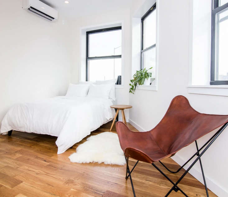 a twin dorm bed can be elevated with a simple white duvet, like the one in this 13