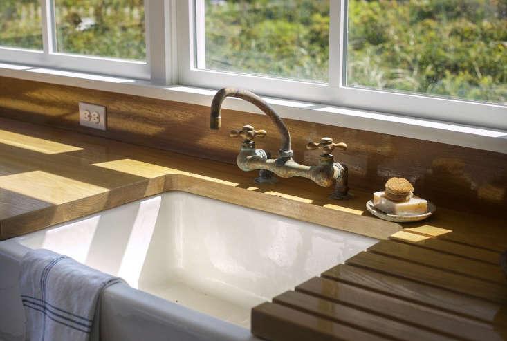 falmouth beach cottage kitchen faucet