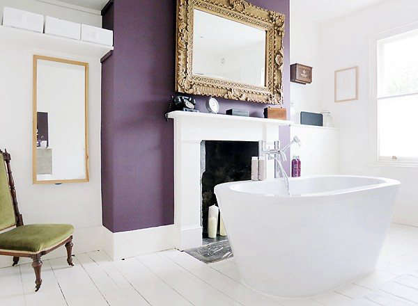The master bath before it went to the dark side.