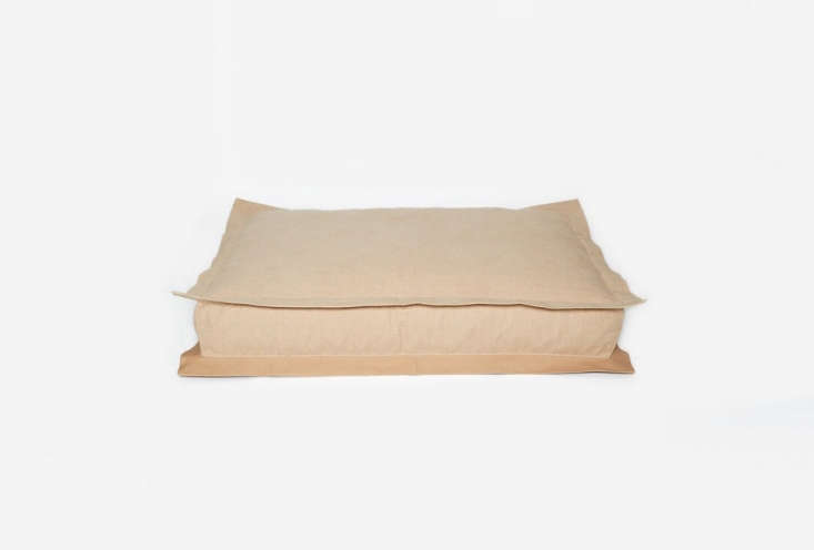 the dog bed lazy has a \100 percent cotton cover that is machine washable. it&a 15