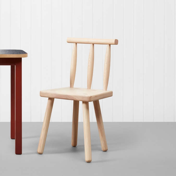 thepeggy chair is a modern take on a traditional irish chair and is made by s 21