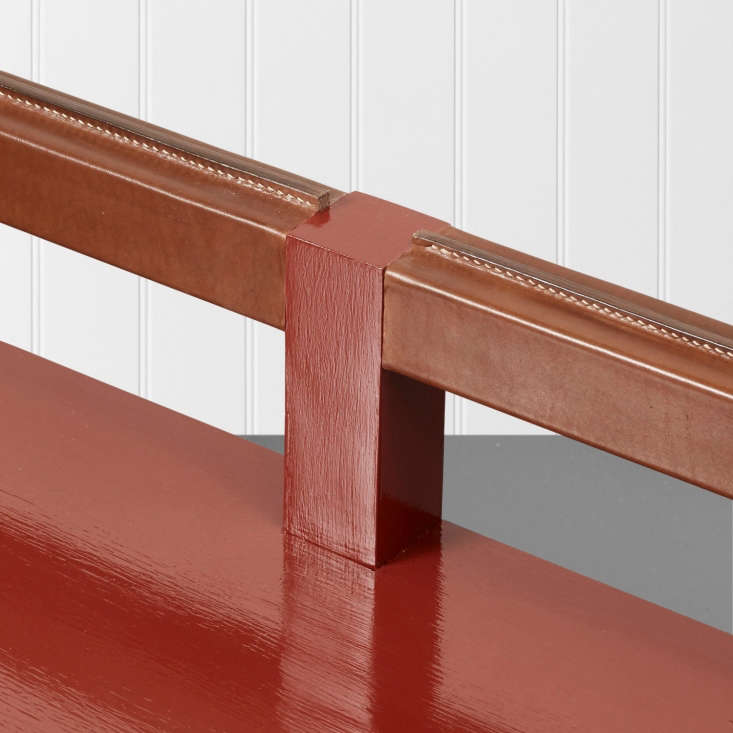 a closer look at the bespoke option for the stumpy bench: a hand stitched leath 16