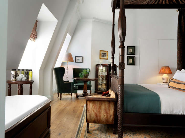 the studio suitein shades of emerald, freestanding bath and four poster bed i 17