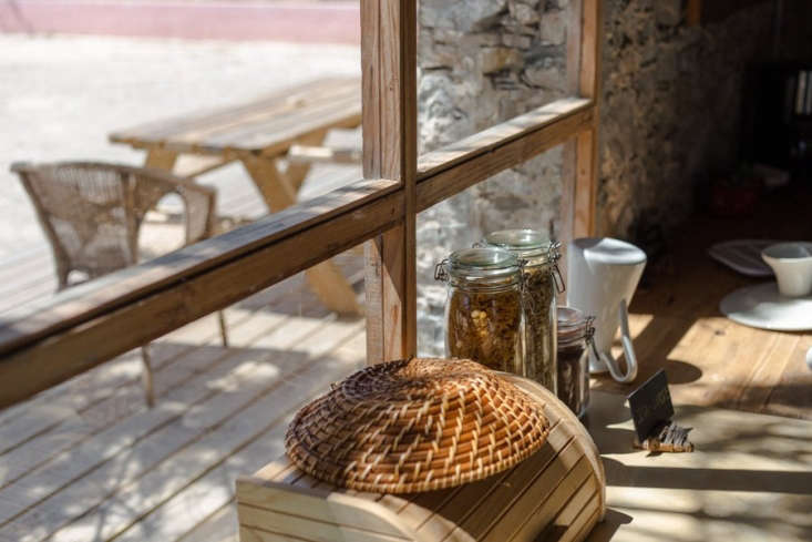 Breakfast is served daily; or guests can use the kitchen to prepare their own meals.