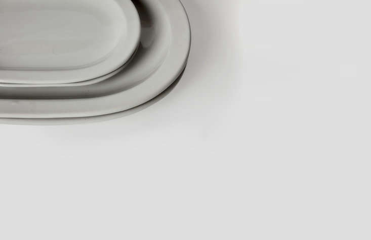a detail of the platters. the collection is made of heavy, dishwasher safe ston 10