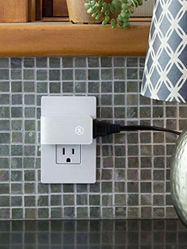 Zuli Smart Plug with Smart Home Control in Kitchen