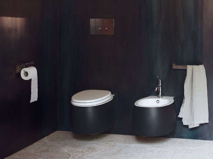 designer patricia urquiola&#8\2\17;s pear \2 toilet (and bidet) comes in a  9