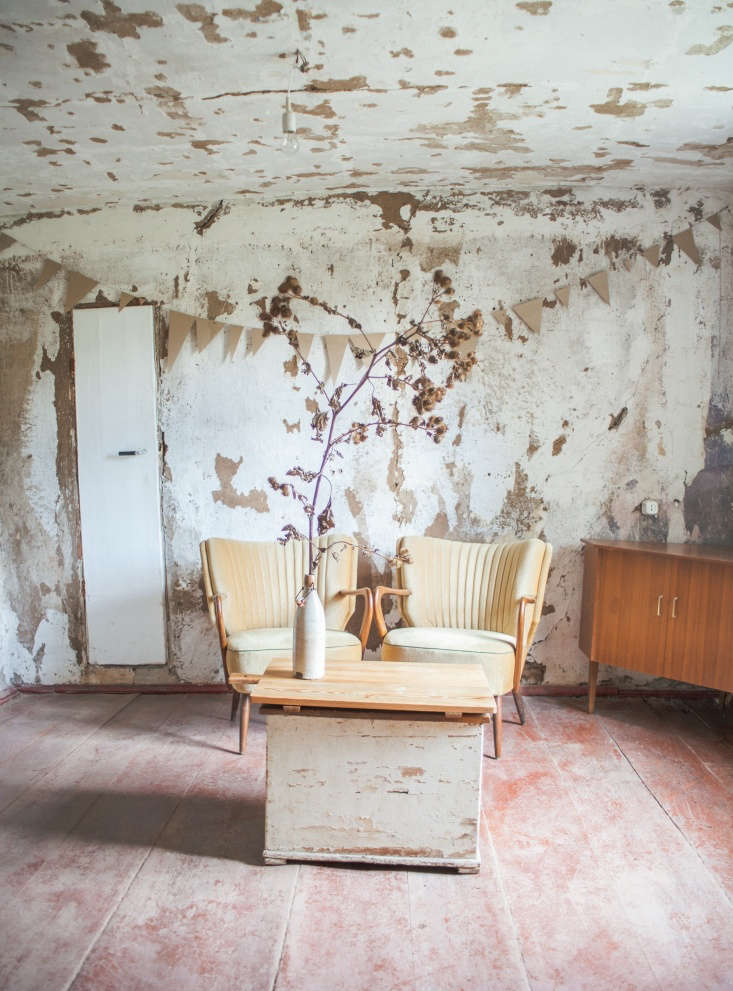 german artist anne schwalbe embraced the excavated look of plaster walls and pe 10