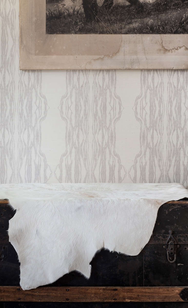 fayce&#8\2\17;s flow wallpaper(\$\135 per yard), &#8\2\20;inspired by 17