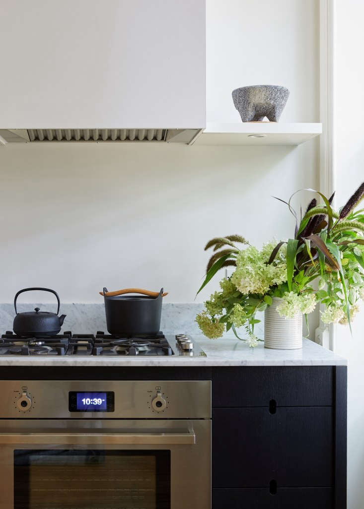 the range is a bertazzoni professional series 30 inchwith a bertazzoni four 14