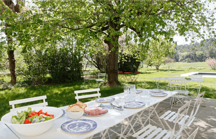 breakfast is served in the garden every morning. &#8\2\20;everything is org 24