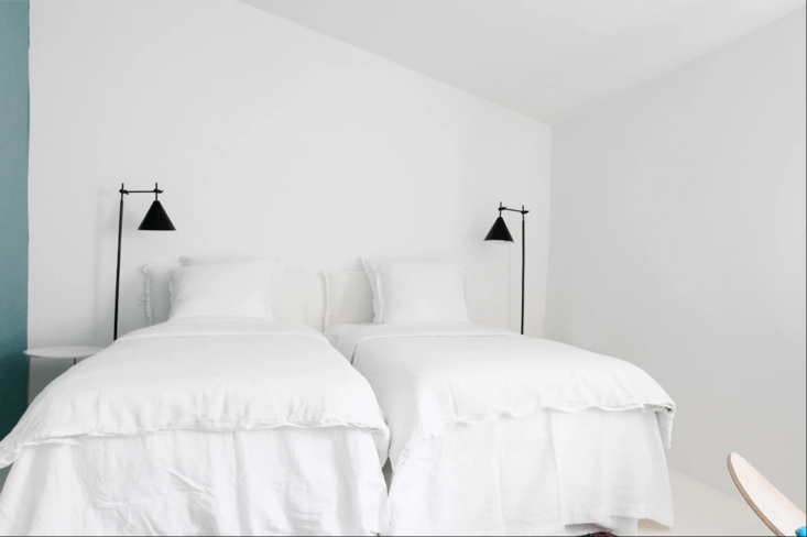 each guest room is outfitted with &#8\2\20;linen sheets, natural feather pi 22