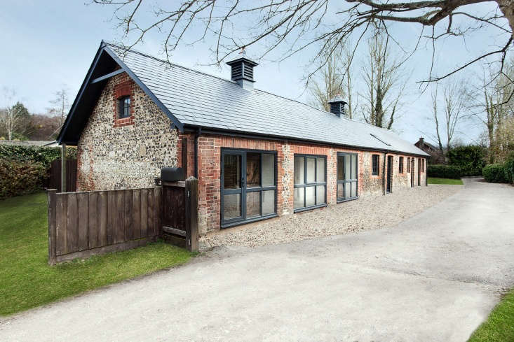 architect andy ramus of ar design studio renovated a manor house in hampshire t 11