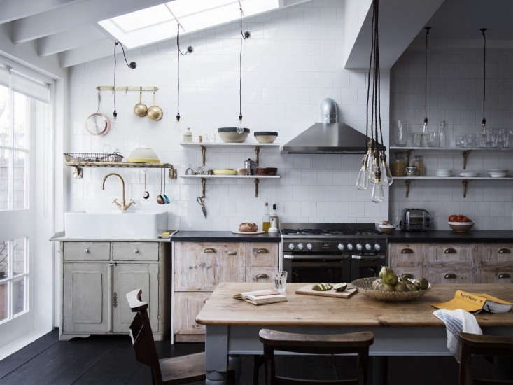 Kitchen of the Week A Family Gathering Spot in a London Victorian Lewis has an aversion to &#8\2\20;fitted kitchens&#8\2\2\1; and whenever possible installs drawers instead of cabinets, &#8\2\20;all in a line rather than turning a corner.&#8\2\2\1; Over the counter, he opts for racks and open shelves.