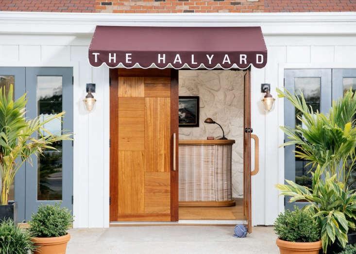 the halyard (the sound view&#8\2\17;s hotel restaurant) reception area was  20