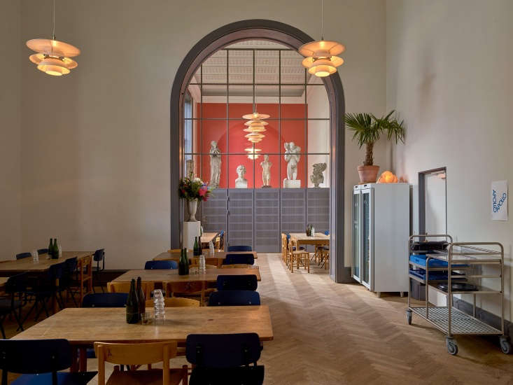 The Kantine is a casual everyday canteen for Royal Danish Academy students and others. Bille Brahe serves &#8