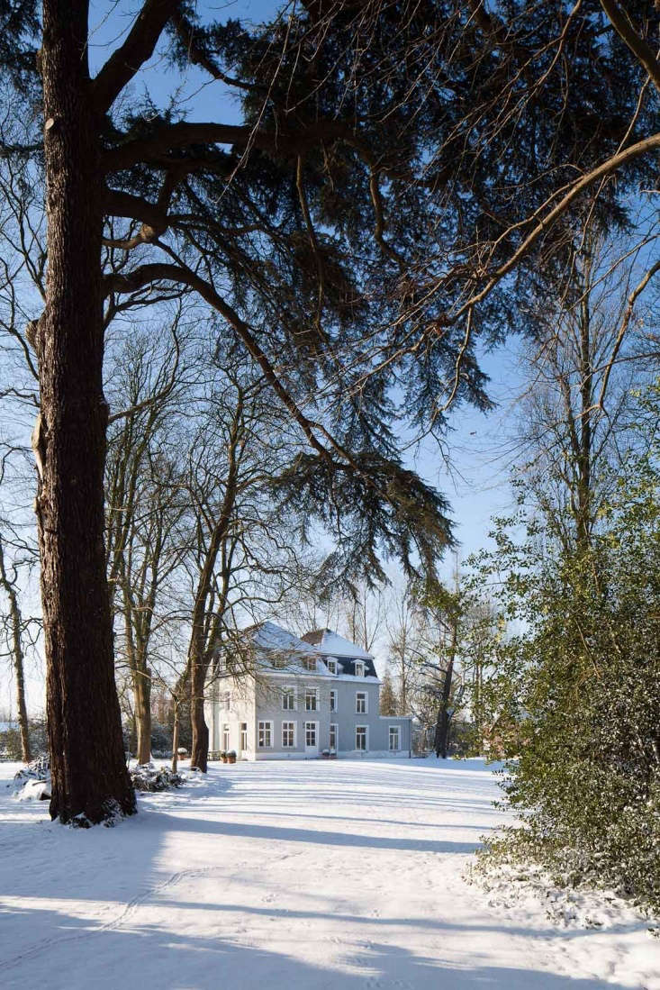 12 Favorites SnowCovered Cabins from the Remodelista Archives Founding partners of Buyse Seghers Architects bought a \17th century house in the Flemish countryside renovating it as their own residence. For more, seeA Fairy Tale Castle in Belgium: The Architects' Version.