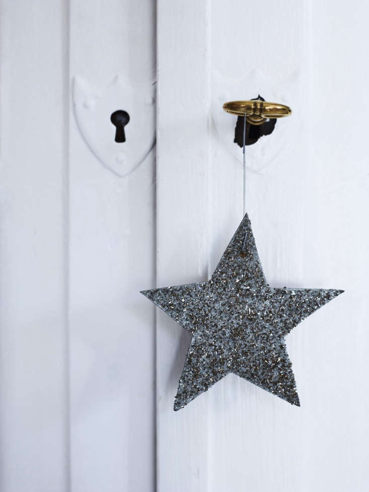 every christmas, kendall gets out the paper stars she made when she and laurent 18
