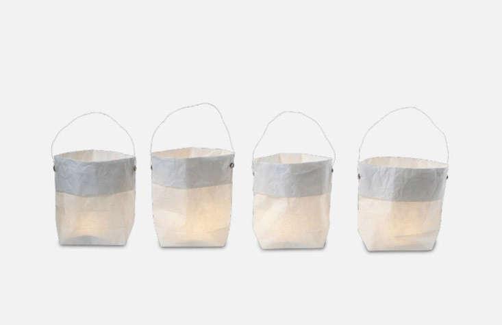 A set of fourPaper Lanterns is €9.90 ($loading=