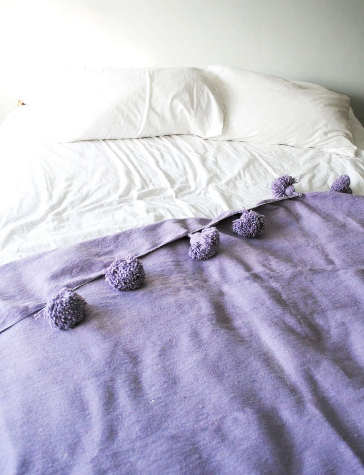 purple pompon blanket calmachica