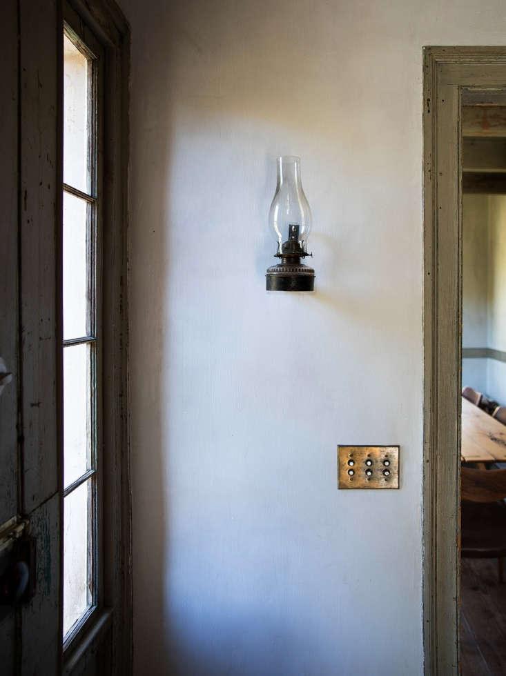 rustic farmhouse hudson valley howell lantern 11