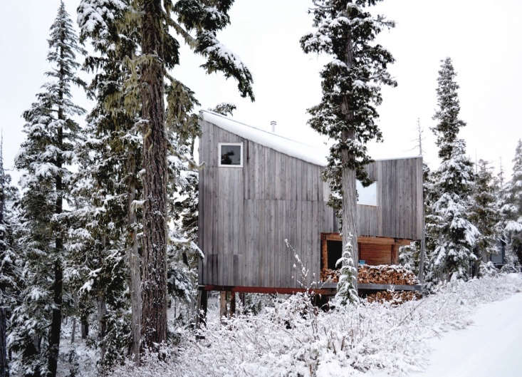12 Favorites SnowCovered Cabins from the Remodelista Archives An off the grid alpine cabin on the north end of Vancouver Island was designed and built by Susan Scott and David Scott of Scott & Scott Architects. See more atAn Off the Grid Cabin in Vancouver, Candlelight Included.