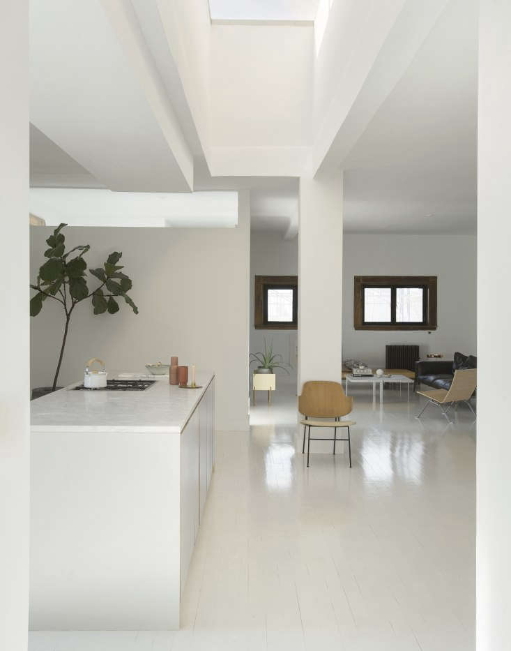 a skylight runs down the middle of the living room:&#8\2\20;we&#8\2\1 14