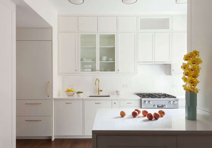 10 Easy Pieces Architects White Paint, Chantilly Lace Or Simply White For Kitchen Cabinets