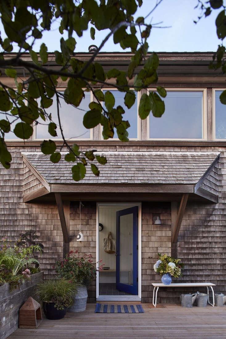 entryway chilmark cottage shingle blue door