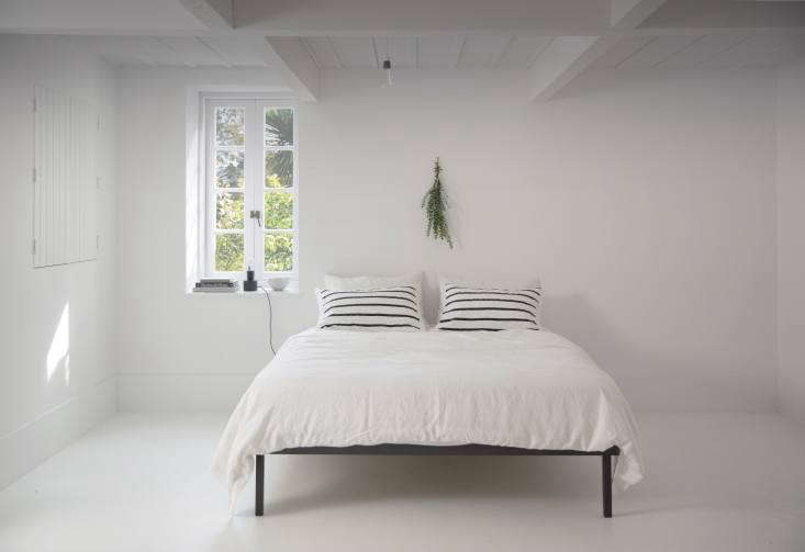 The White Album 27 Serene Bedrooms in Shades of Pale Interior designer Claudia Zinzan, owner of one of our favorite browsing spots, Father Rabbit in Auckland, New Zealand, is a master of the all white bedroom. Shown here in Zinzan&#8\2\17;s own house, a Father Rabbit Linen Duvet Cover, \$\249 NZD (\$\197 USD), and Father Rabbit Cotton Nautical Stripe Pillowcases, \$39.90 NZD (\$3\1.57 USD), on a Father Rabbit Steel Bed Base, \$\2,\2\10 NZD (\$\1,749 USD).