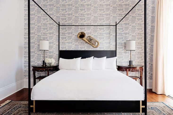 henry hall hotel new orleans bedroom wallpaper 2