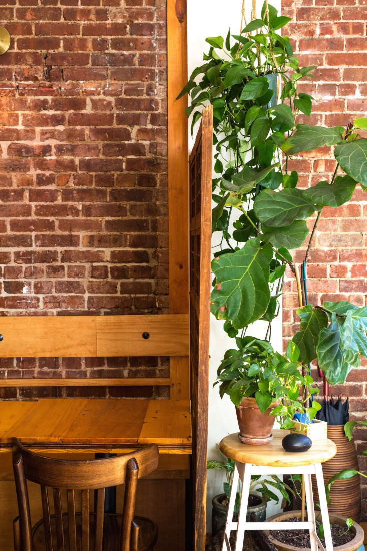 kyogoku uses an antique japanese sliding door from shibui in brooklyn as a room 16