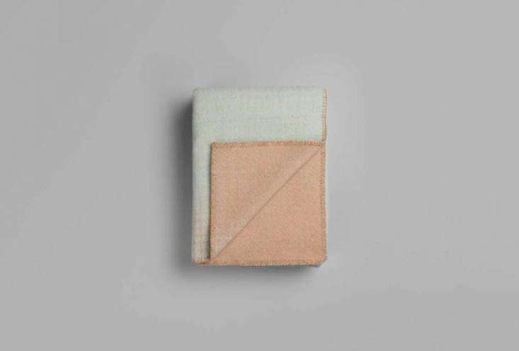 another pastel style from ingá sempe, thebernadette blanket is characterized 14