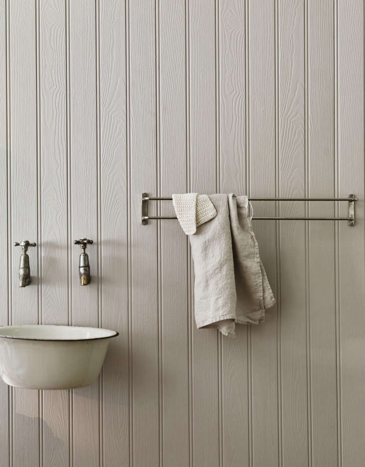 Vintage Luxe New Bath Accessories from Rowen amp Wren with Traditional Appeal The Bilton Double Towel Rail (£98), shown here in nickel, has a simple but smart design element: One rung juts out farther than the other, creating the space for towels to properly air dry.