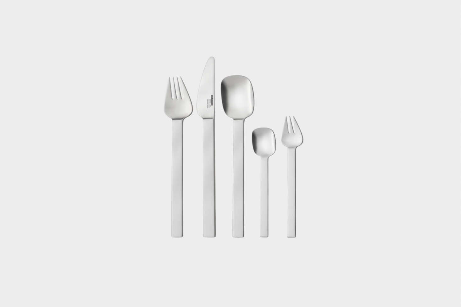 The Carl Mertens Senso Sky Flatware is sold as a 30-piece set for €3.